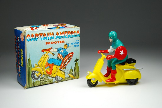 1967 Captain America Marx scooter with box