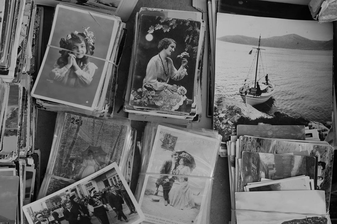 Sell Us Your Old Photos and Advertising Items